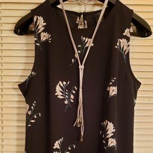 Ann Taylor Navy floral sleeveless tank size M